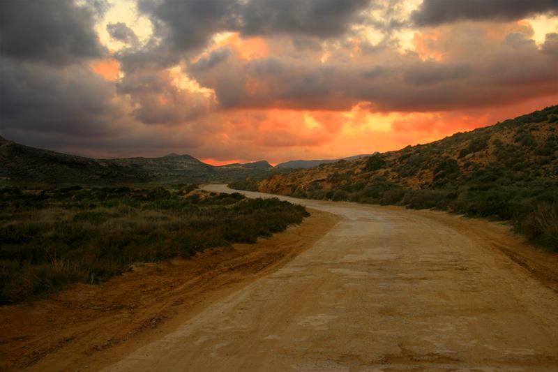 Rodalquilar_Camino_al_fuego