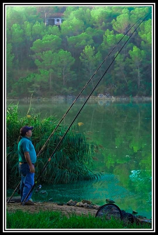 pescador_enfoca