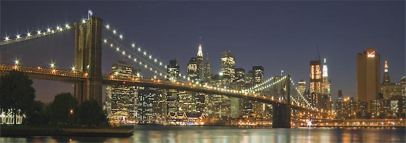 Puente_de_Brooklyn_nocturna_panor_mica