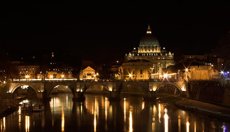 Vatican_nocturna