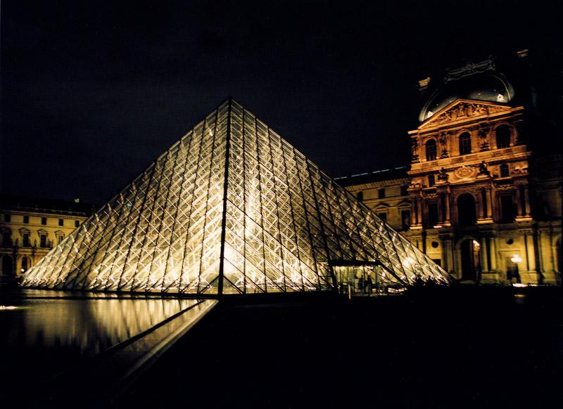 piramide_du_louvres_